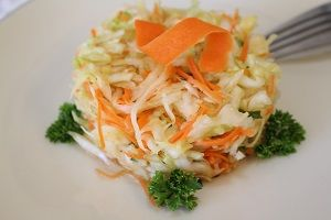 Photo Russian Cabbage Salad Garnish with Parsley