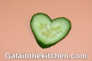How to Make Heart Garnish from Cucumber Photo 4