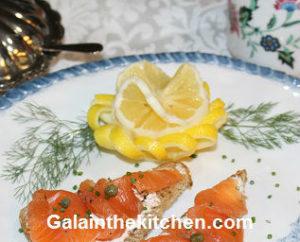When life gives you lemons make garnish Gala Photo