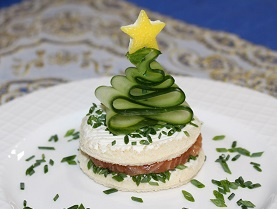 Photo Christmas tree try from cucumber Photo