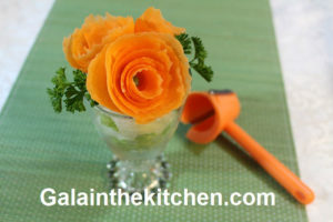 Photo NorPro Carrot Curler and Flower from Carrot