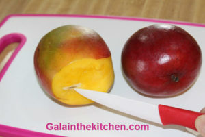 Photo How to Serve Mango on a stick Easy way