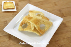 Photo Melba Toast Triangle