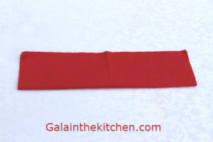 Photo Heart shape folding paper napkin step 1