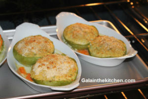 Photo Shrimp stuffed mirlitons in the oven