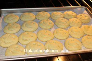 How To Make Fun Cookie Shapes Without Cookie Cutters Gala In The Kitchen
